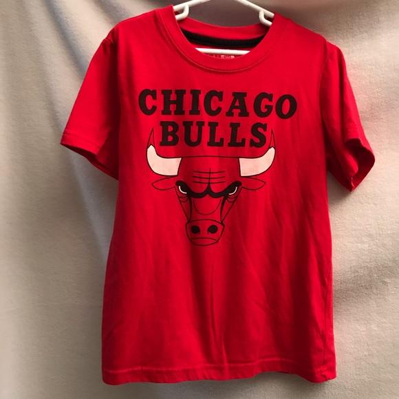 42ee2f7ba2f8 Chicago Bulls T-Shirt Boys 10 12. M 5bc151b42beb79dab905ca3f